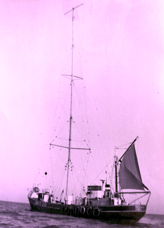 Oceaan 7, radio ship of Radio 270